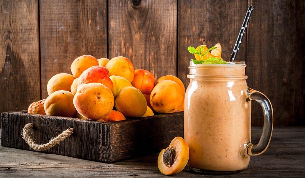 Aprikosen-Mandel-Milch