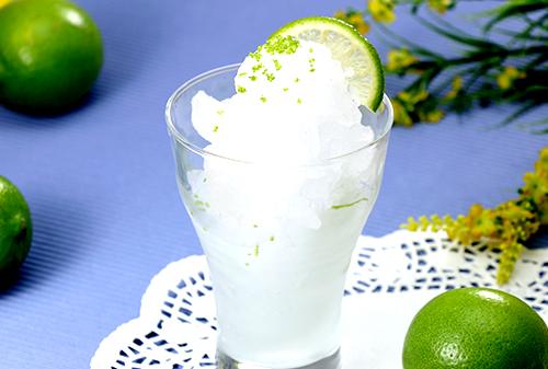 Weißer Sangria-Cocktail