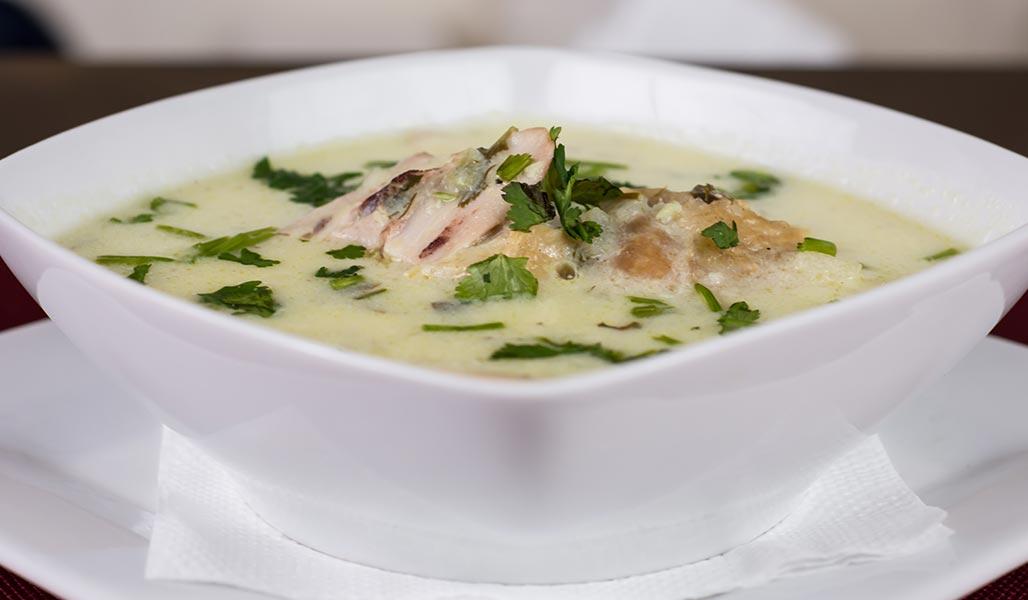 Erdnusssuppe mit Pute